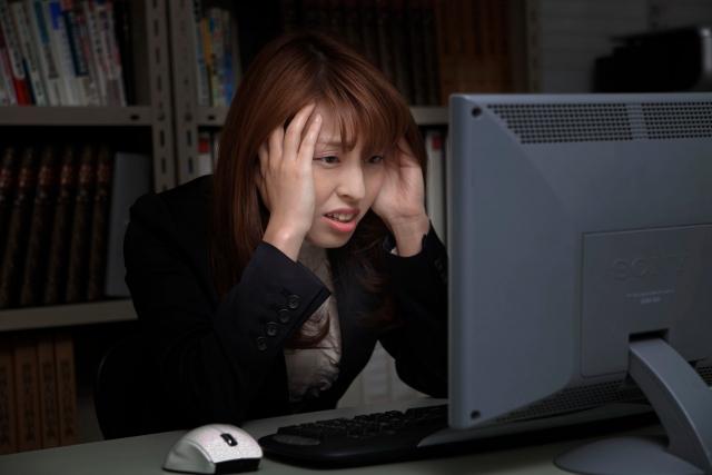 Outlookで、ある日、突然0x800CCC0Bエラー